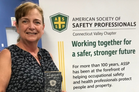 Maryanne Steele accepts safety award